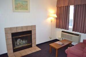 Comfort Inn Santa Cruz - Fireplace in King Suite